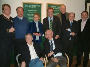 01-2008: van links naar rechts (staand):  Hans Vergoed, Ivo Pols, Gonny Ninaber, Frans Nugteren, Ko Korteweg, Martin van Gils, Jan Nelisse en (zittend): Hans van Dalsum, Tony Hoolboom.