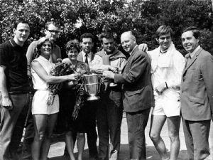 Team '68:  Marijke Jansen, Els Spruyt, Piet Veentjer, Hans Haks, Ko Korteweg, Fred Hemmes, Jaap Dankaert Non-playing captain: Hans van Dalsum
